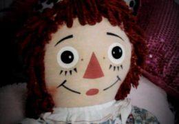 История Аннабель:  факты о настоящей демонической кукле