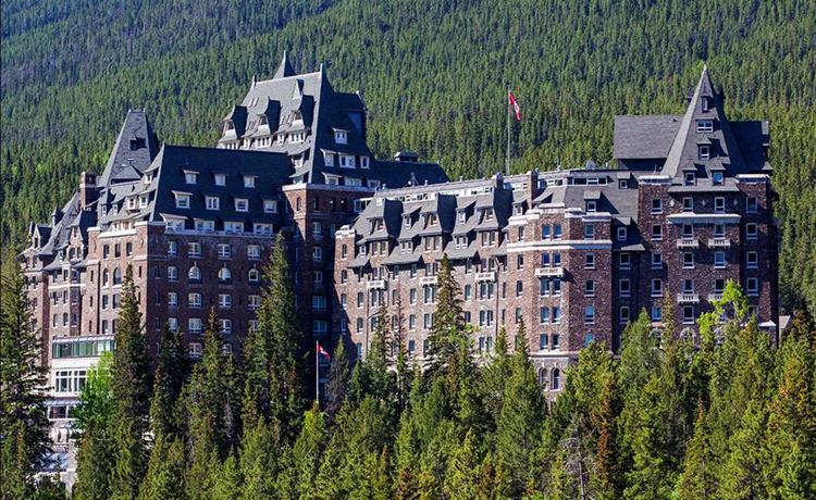 Отель Банф Спрингс в Канаде